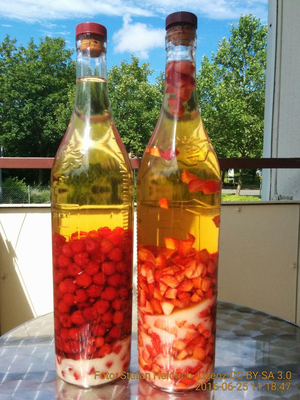 Rezepte Erdbeer-Himbeerlikoer